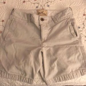 Men's Hollister light khaki shorts